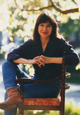 An image of Louise Erdrich by Leo Kim.